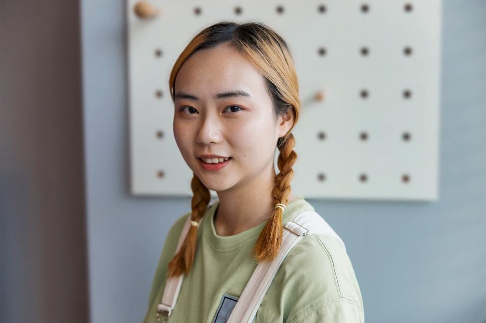 张紫怡,四川外国语大学商务英语专业,四年级。