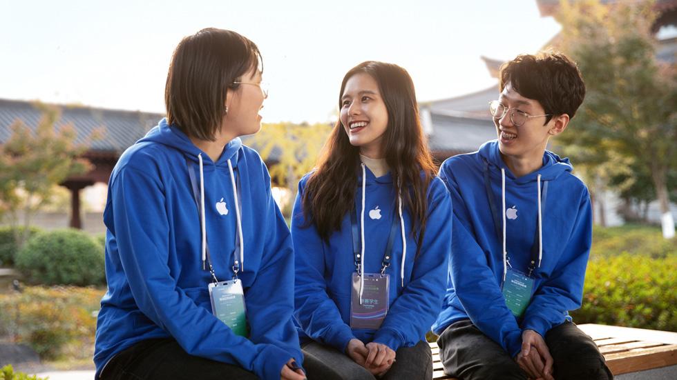 Seal Create 团队成员:来自浙江大学的吴润凡(左),伍文棋(中)和沈心逸(右)。