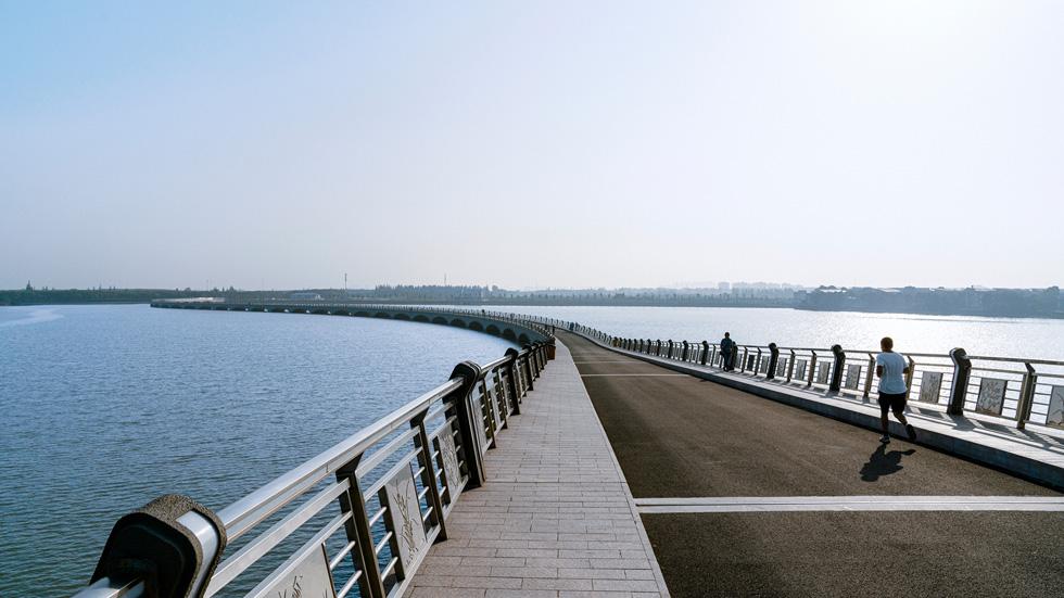 淀山湖位于昆山水域,在全球范围内拥有数量最多的国际可持续水管理联盟认证站点。