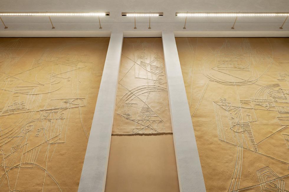 Apple Via del Corso 店内 Afro Basaldella 的艺术画板原作。