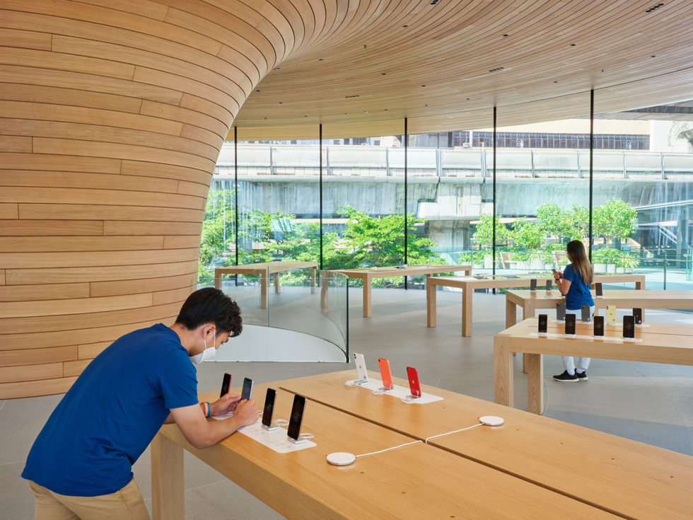 Apple Central World 员工陈列展品。