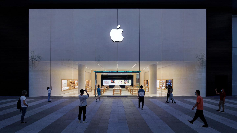 位于国金中心的 Apple 长沙正门,面对黄兴路。