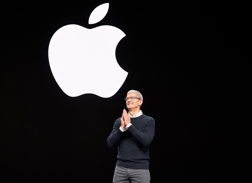 Tim Cook 现身 Steve Jobs Theater 演讲台。