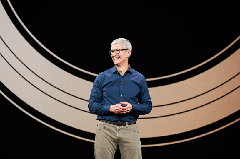 Tim Cook 亮相 9 月在 Apple Park 的 Steve Jobs Theater 举办的 Apple 特别活动。