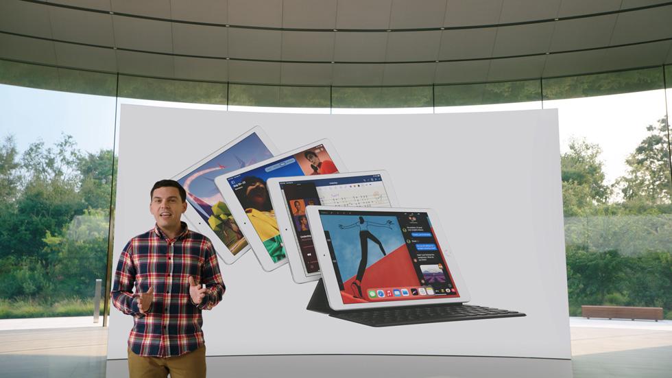 Ted Merendino 介绍第八代 iPad。