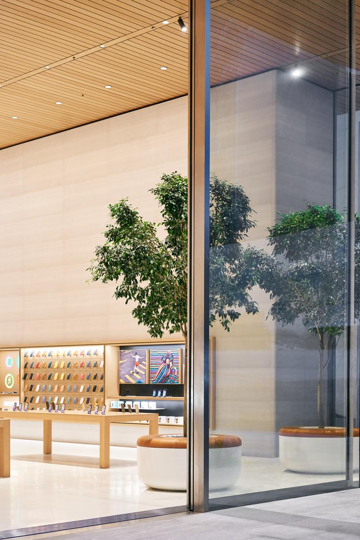 Apple Antara 玻璃门。