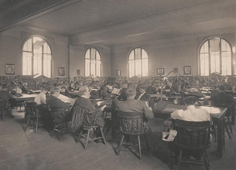 1908 年 Carnegie Library 原来的一楼阅览室。