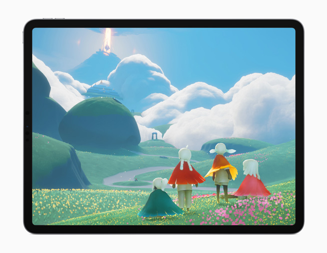 iPad Pro 展示《Sky: Children of the Light》游戏。