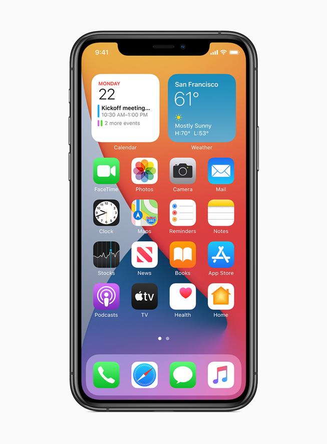 iPhone 11 Pro 上显示新主屏幕上的小组件。