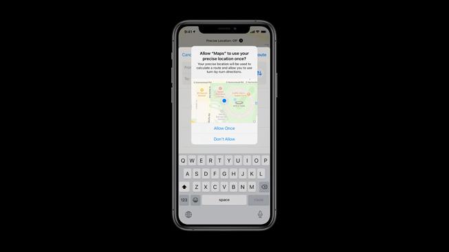 iOS 14 中的用户位置隐私设置。