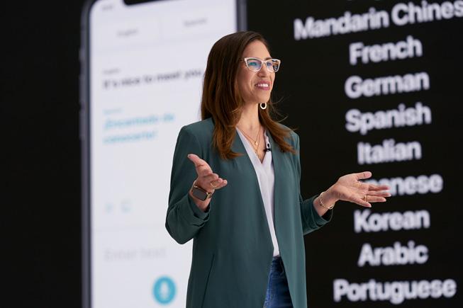 Yael Garten 在 WWDC20 上演示 Siri。