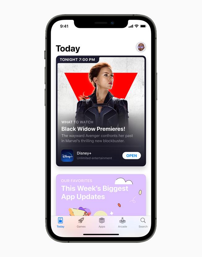 一台 iPhone 12 Pro 上正在展示重新设计的 App Store。