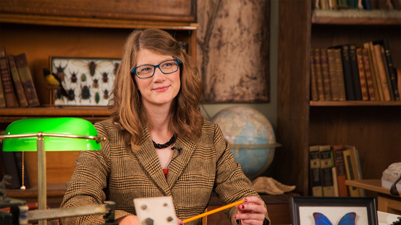 Emily Grasile 是芝加哥菲尔德博物馆的首席珍品记者,将于 3 月 21 日在 Apple Michigan Avenue 主持艺术实验室。