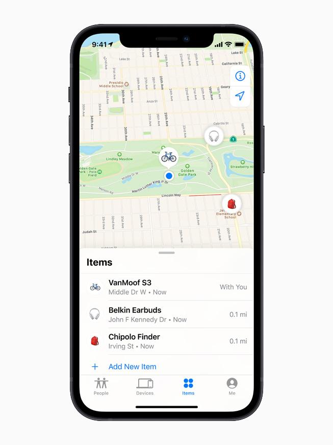 """一部 iPhone 12,正在显示""""查找"""" app """"物品""""标签页中的第三方设备列表。"""