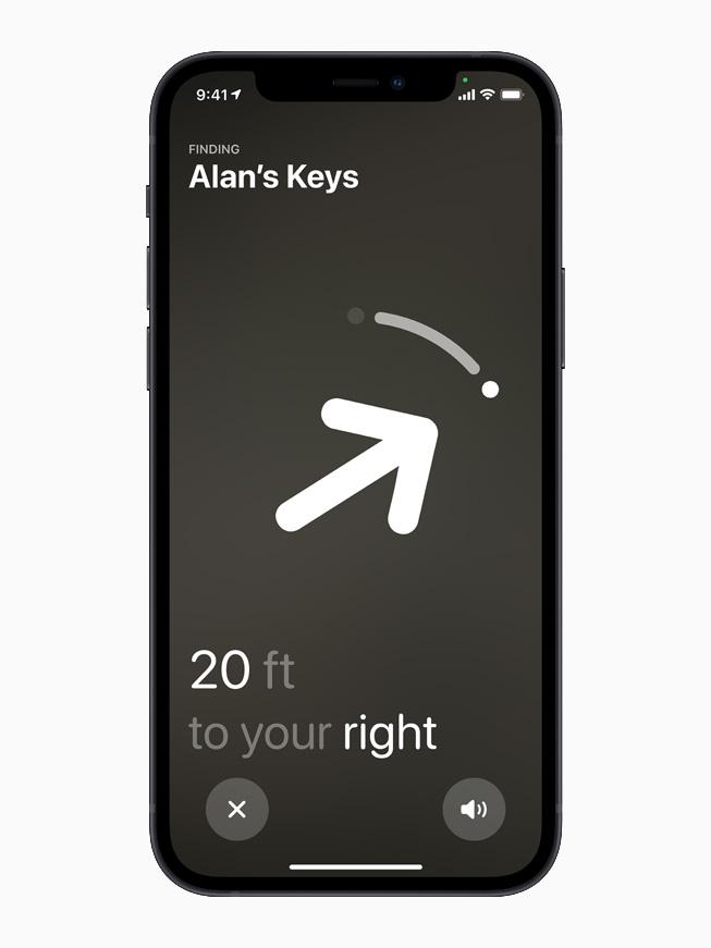 """一部显示""""精确查找""""和 AirTag 的 iPhone 12。"""