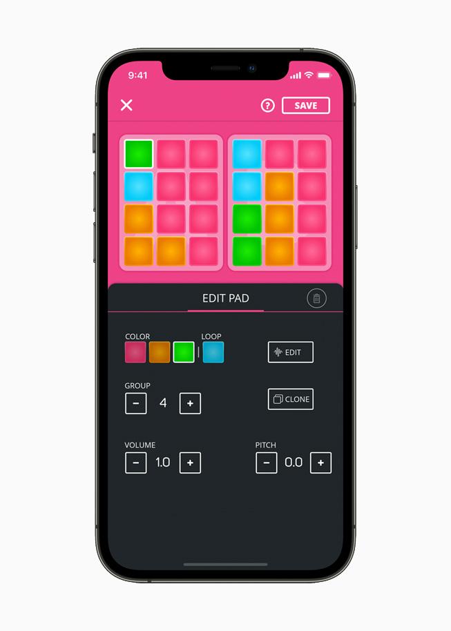 iPhone 12 Pro 上展示 Super Pads app 界面。