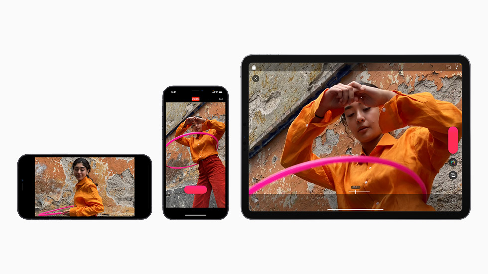 横向与纵向显示于 iPhone 12 和 iPad Air 上的三段可立拍视频。