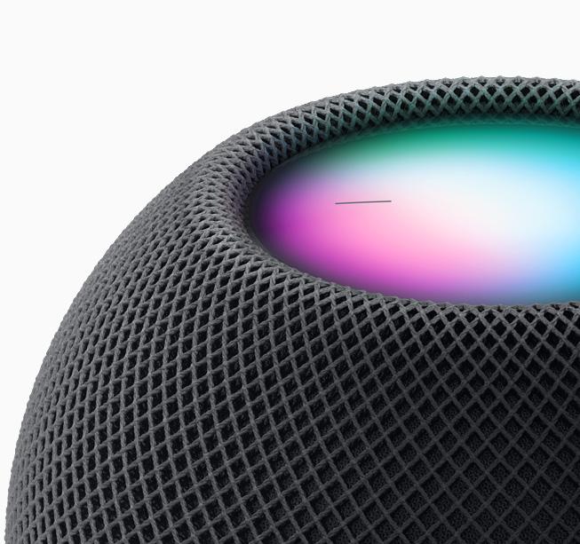 HomePod mini 上的 Siri 体验特写。