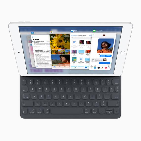 """iPad 屏幕上显示""""侧拉""""功能。"""