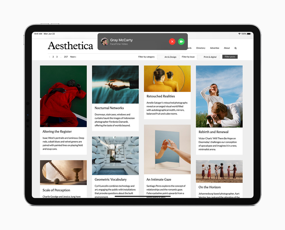 iPad Pro 上展示来电提醒。