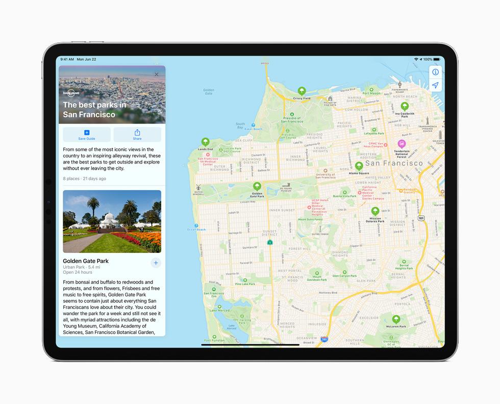 iPad Pro 上展示地图 app 中全新的城市指南功能。