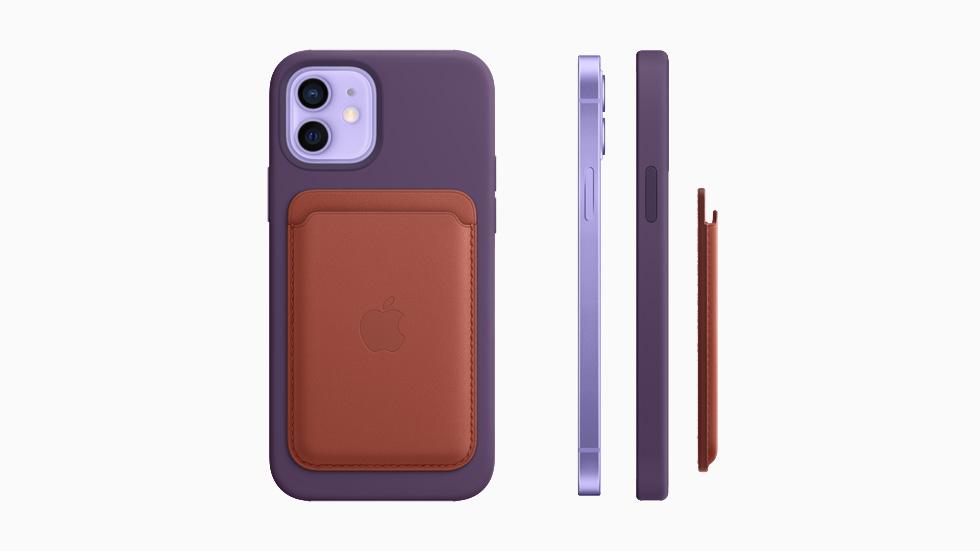 皮革卡包可以通过 MagSafe 紧贴在紫色 iPhone 12 硅胶保护壳的背部。