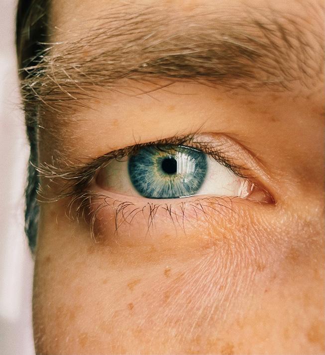 蓝色眼睛的特写。