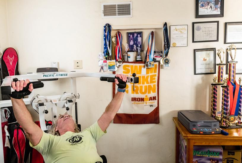 Leason 每天用两个小时在家中完成严格训练。