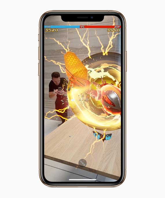 iPhone Xs 上显示增强现实体验。