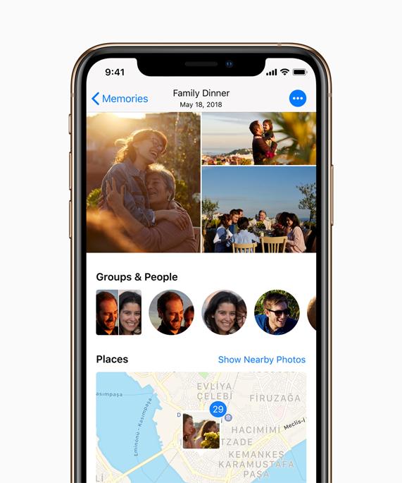 iPhone Xs 上显示照片。