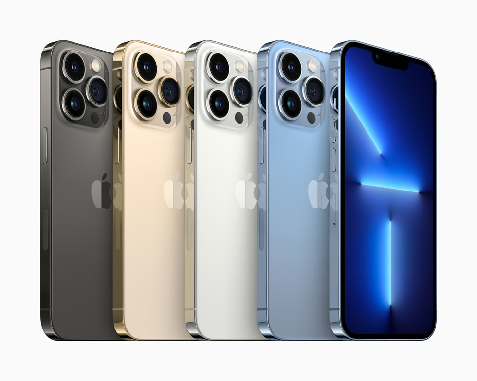 石墨色、金色、银色和远峰蓝色的 iPhone Pro。