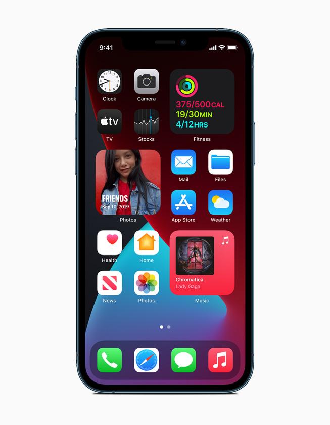 iPhone 12 Pro 上显示的一个主屏幕页面。