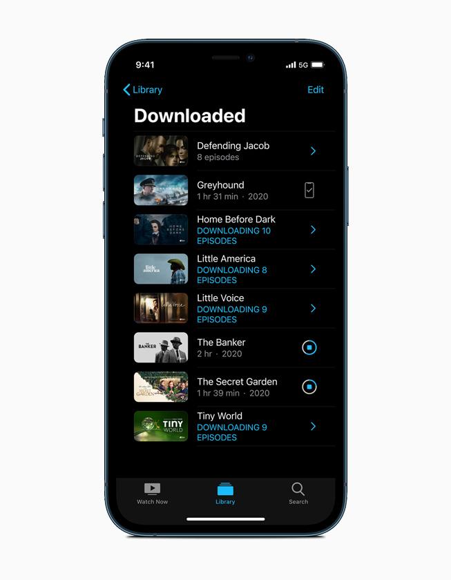 """iPhone 12 Pro 上的""""下载""""资料库。"""