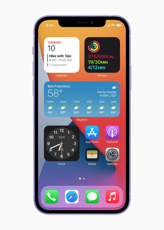 在紫色 iPhone 12 上展示主屏幕界面。