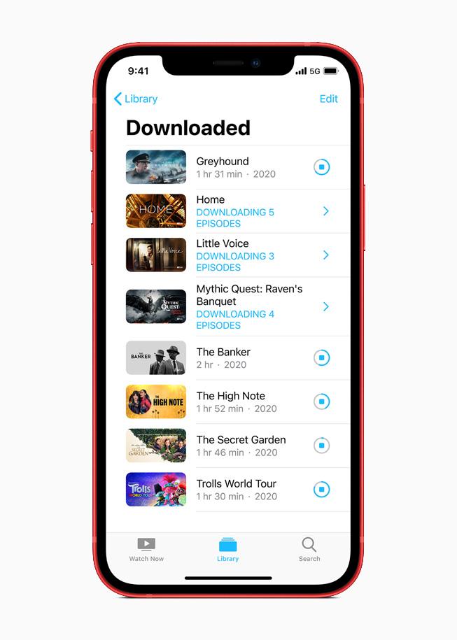 iPhone 12 上的视频下载库。