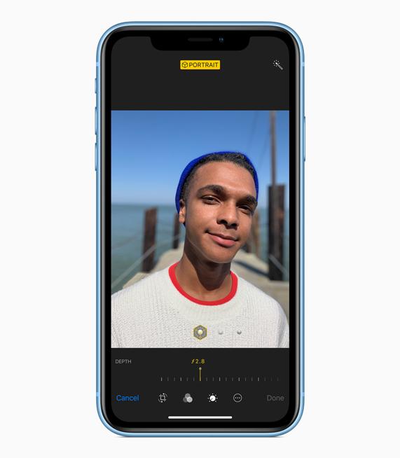 iPhone XR 展示全屏幕图像