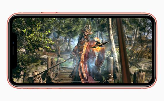 iPhone XR 展示全屏幕图像。