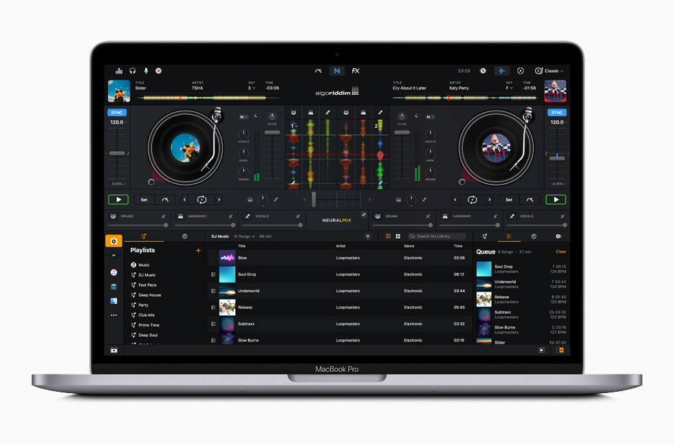 MacBook Pro 上展示 djay Pro app。