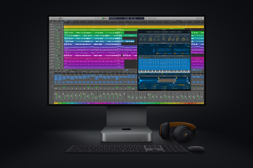 新款 Mac mini 和 Pro Display XDR 上的 Logic Pro。
