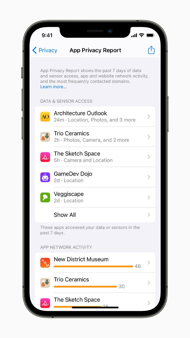iPhone 12 Pro 上展示 App 隐私报告。