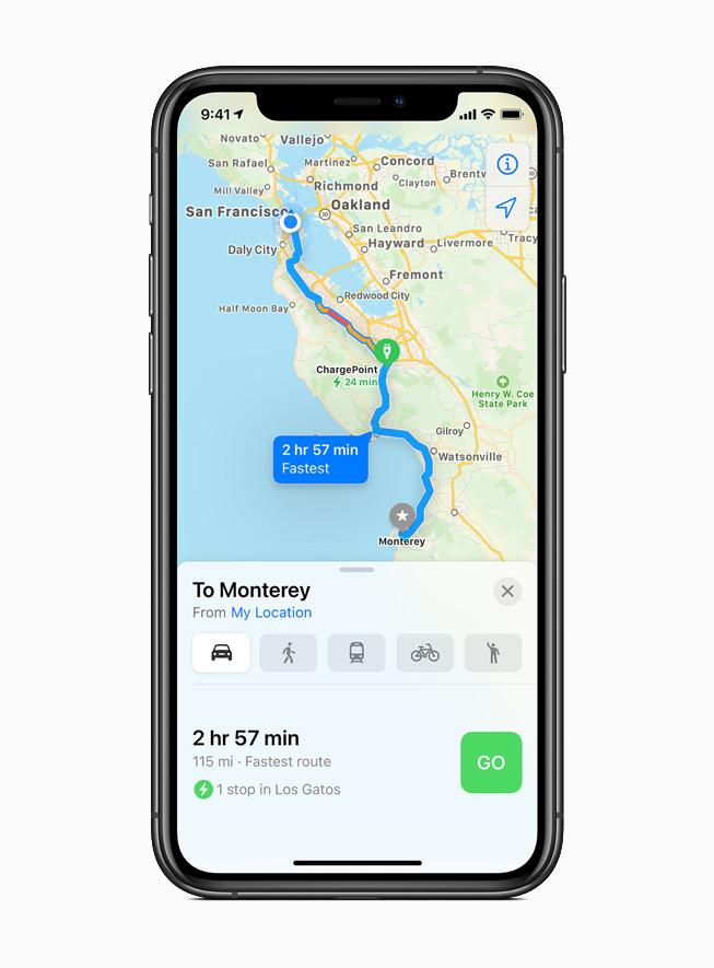 iPhone 11 Pro 上显示地图 app 中的电动车路线。