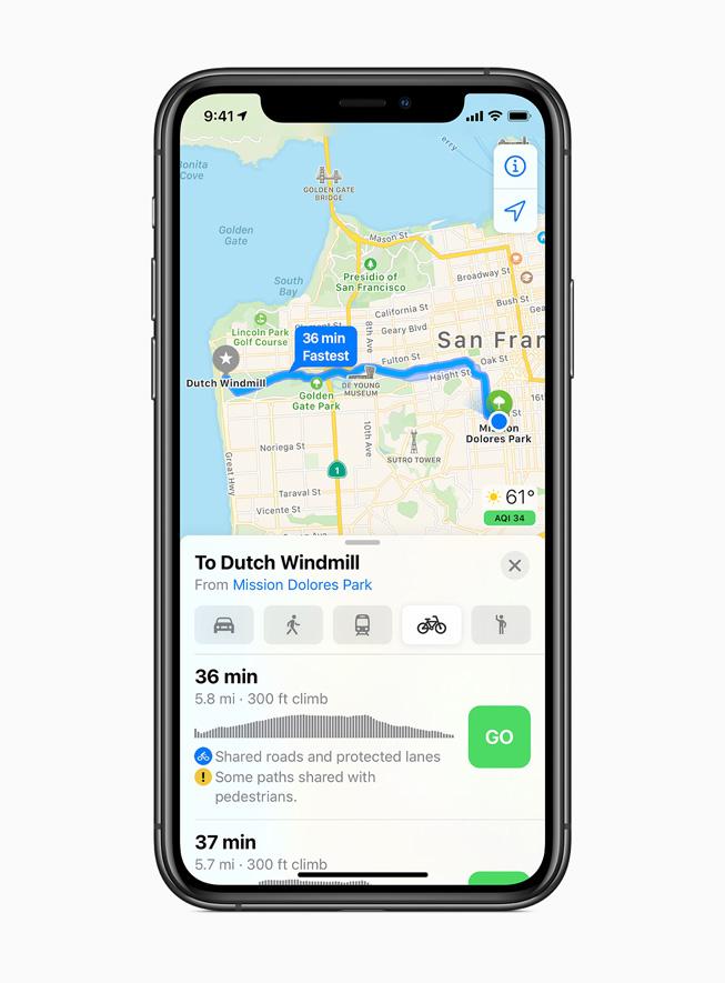 iPhone 11 Pro 上显示 iOS 14 中的骑行线路。