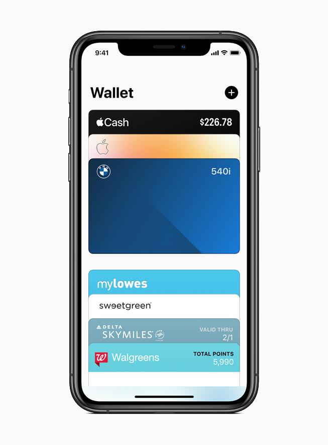 iPhone 11 Pro 上显示 Apple 钱包 app 中的 BMW 数码车钥匙。