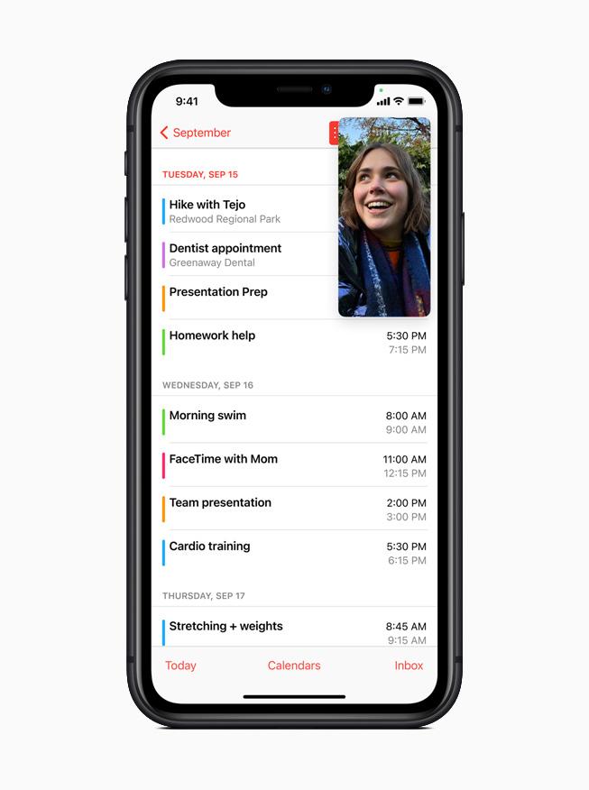 iPhone 11 Pro 的日历 app 演示画中画支持功能。