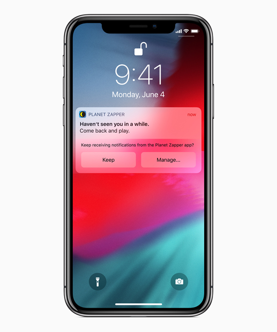 iPhone X 屏幕上显示 Planet Zapper app 通知以及 Siri 为 app 管理通知的建议。