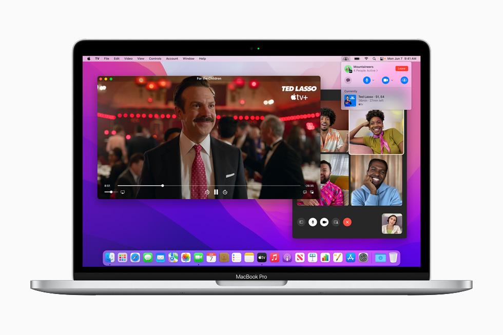 在 13 英寸 MacBook Pro 上展示的同播共享。
