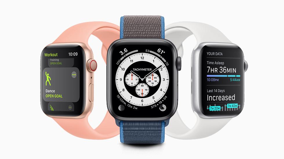 分别显示在不同 Apple Watch Series 5 上的舞蹈体能训练、Chronograph Pro 表盘和睡眠追踪功能。