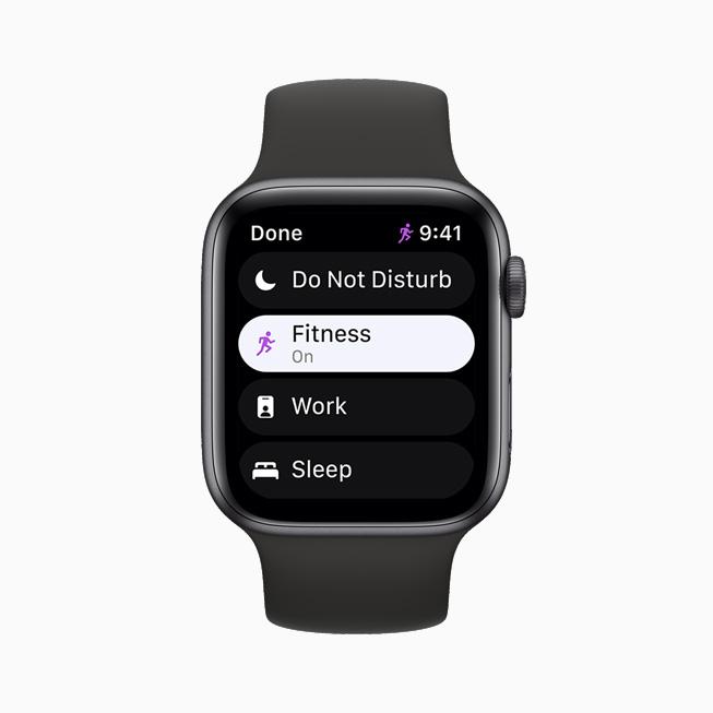 Apple Watch Series 6 上展示的专注模式。