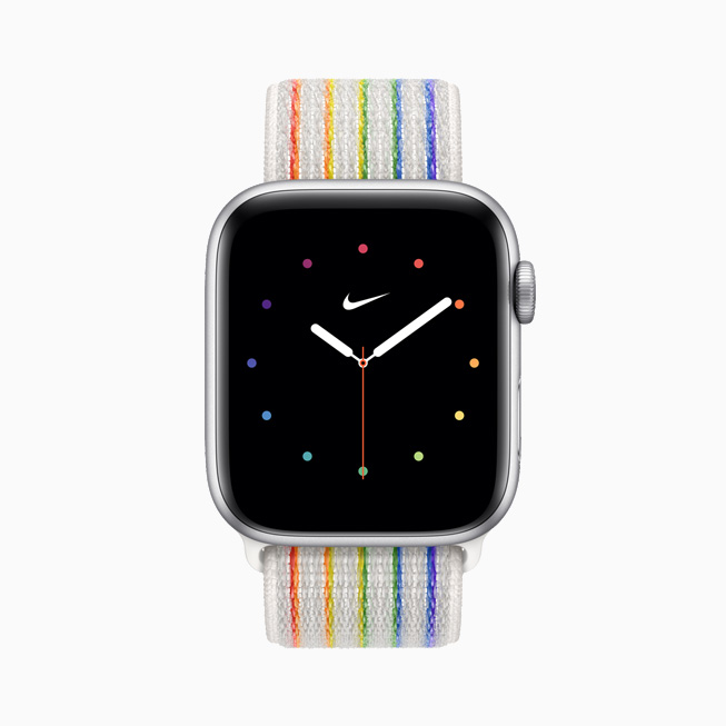 Apple Watch Nike 彩虹版回环式运动表带和彩虹版表盘的正视图。