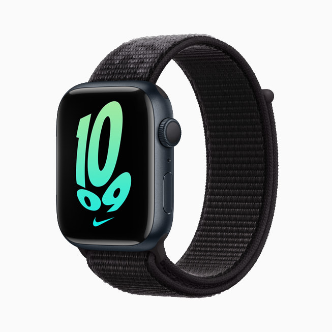 显示全新回弹表盘的午夜色 Apple Watch Nike。